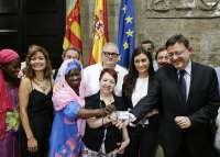 El TC levanta la suspensión cautelar de la sanidad universal a inmigrantes irregulares