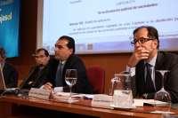 Expertos analizan en Instituto Cajasol el reparto de expedientes y competencias entre distintos funcionarios jurídicos