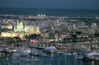 La Catedral de Palma, la Alhambra y el Generalife, el Palacio Real de Madrid se apagarán en la Hora del Planeta 2016