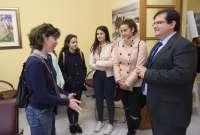Cultura.- Un grupo de alumnos del IES Mar de Pulpí visitan las dependencias de Filming Almería