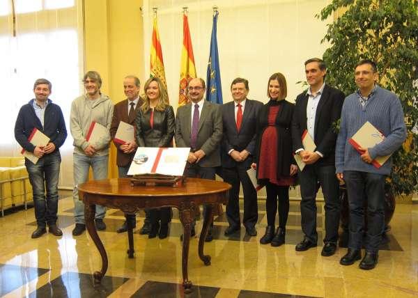 El Gobierno de Aragón promoverá un pacto por la ciencia con las fuerzas políticas y los investigadores