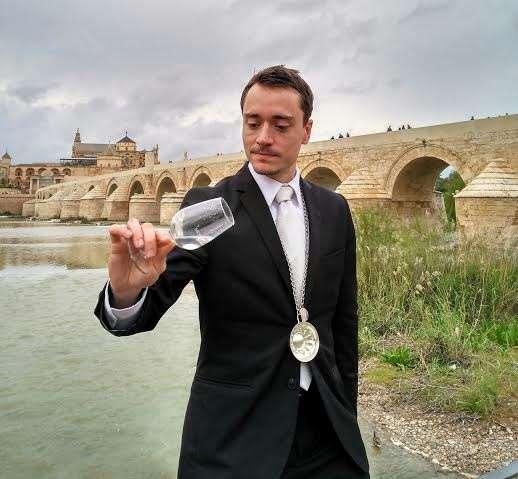 El maître David Núñez representa a Córdoba desde este miércoles en el XXII Campeonato de España de Sumilleres