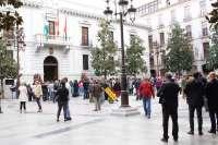 Sucesos.- El alcalde de Granada sale del Ayuntamiento en calidad de detenido hacia la Jefatura de Policía
