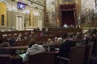 Los grupos parlamentarios dejan solo al PP y bloquean la ley de servicios sociales heredada de Inés Rojas