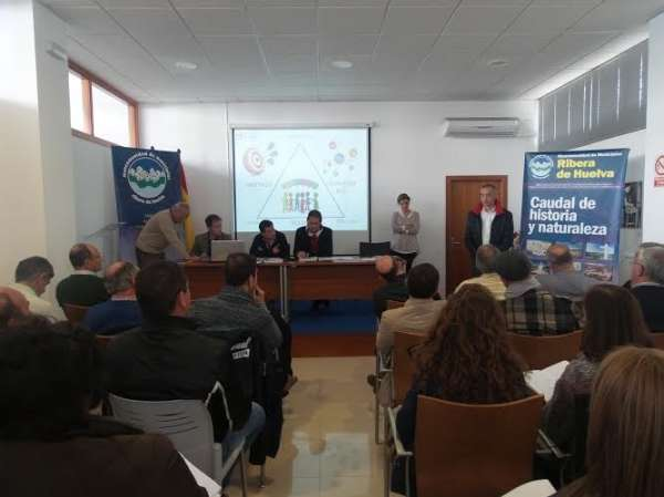 Municipios de la Sierra y la Cuenca se familiarizan con el nuevo programa de servicios concertables