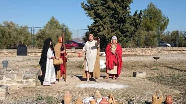 Turismo.- Cultura.- Turishoria se hace con la explotación turística de las tumbas principescas de Toya y Hornos