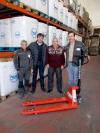 Talleres Lozano dona al Banco de Alimentos una transpaleta manual