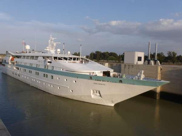 Turismo.- El crucero de lujo 'Lyrial' llega este sábado al Puerto con más de 400 personas a bordo
