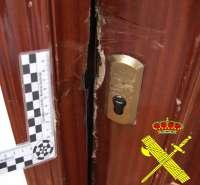 La Guardia Civil detiene a un vecino de Tineo por robar en 9 viviendas