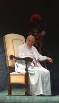 El retrato del Papa Francisco realizado por la monja Isabel Guerra llega a la Conferencia Episcopal