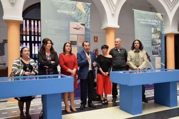 Cultura.- Rincón acoge la muestra 'El éxodo de la carretera de Almería, febrero de 1937' con documentos inéditos
