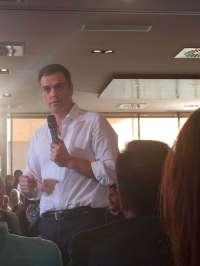Sánchez vuelve a tender la mano a Iglesias para un gobierno de
