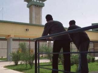 Dos presos