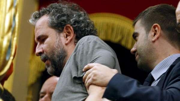 Guillermo Toledo es expulsado del Congreso