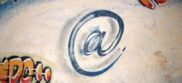 El 'email' cumple 25 años en España ante el avance de las redes sociales