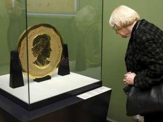 Moneda gigante