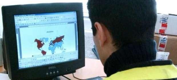 La Policía advierte del envío de un correo falso que contiene un virus informático