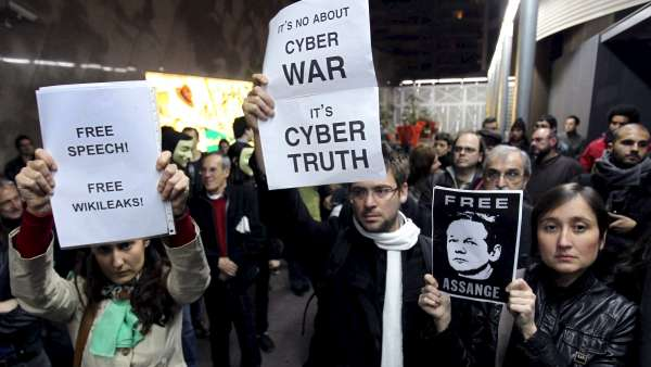 Manifestacion en Barcelona en defensa de Assange