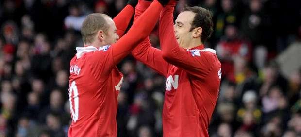 Dimitar Berbatov y Wayne Rooney