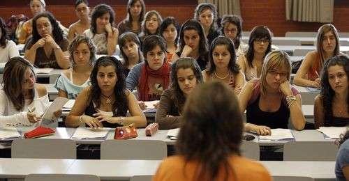 La crisis obliga a las universidades a recortar gastos y a for Universidad de valencia online