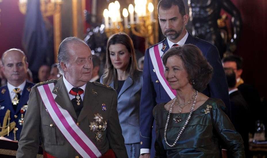 Primer Matrimonio Gay Catolico : La boda real entre juan carlos y sofía cautiva a los