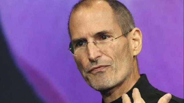 caaf44f3612 Steve Jobs podría haberse curado con un tratamiento profesional, según su  biógrafo