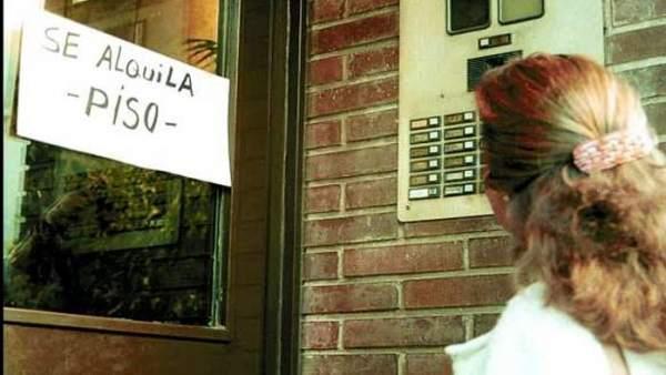 La Junta de Andalucía propone hacer trabajos comunitarios para quien no pueda pagar el alquiler