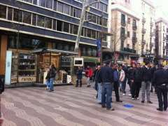 Barcelona aprova un pla per a la Rambla que preveu que els quioscos estiguin entre escocells