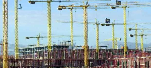 Los visados concedidos para construir pisos nuevos suben por primera vez desde 2011