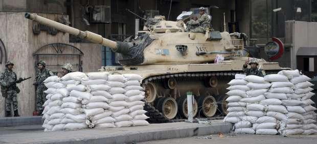 Tanques en El Cairo