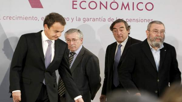 Zapatero con la patronal y sindicatos