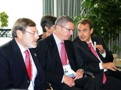 Gallardón entre Lissavetzky y Zapatero