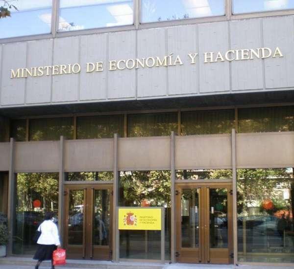 Rajoy separa econom a de hacienda en el gobierno con menos for Ministerio de interior madrid