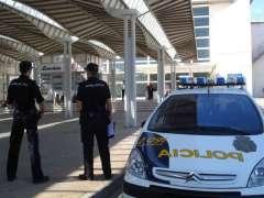 Agentes de Polic�a Nacional