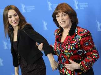 Natalia Verbeke y Carmen Maura