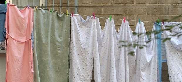 Dónde cuelgo la ropa: ¿es posible instalar un tendedero en la fachada de nuestro edificio?