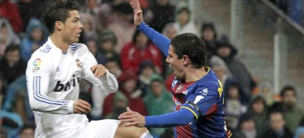 Cristiano Ronaldo ante Del Horno, del Levante