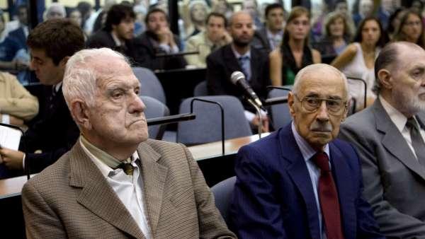 Comienza el juicio de Videla y Bignone
