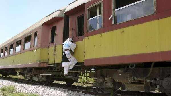 Tren en Albania