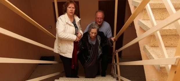 Con alzhéimer y sin ayuda