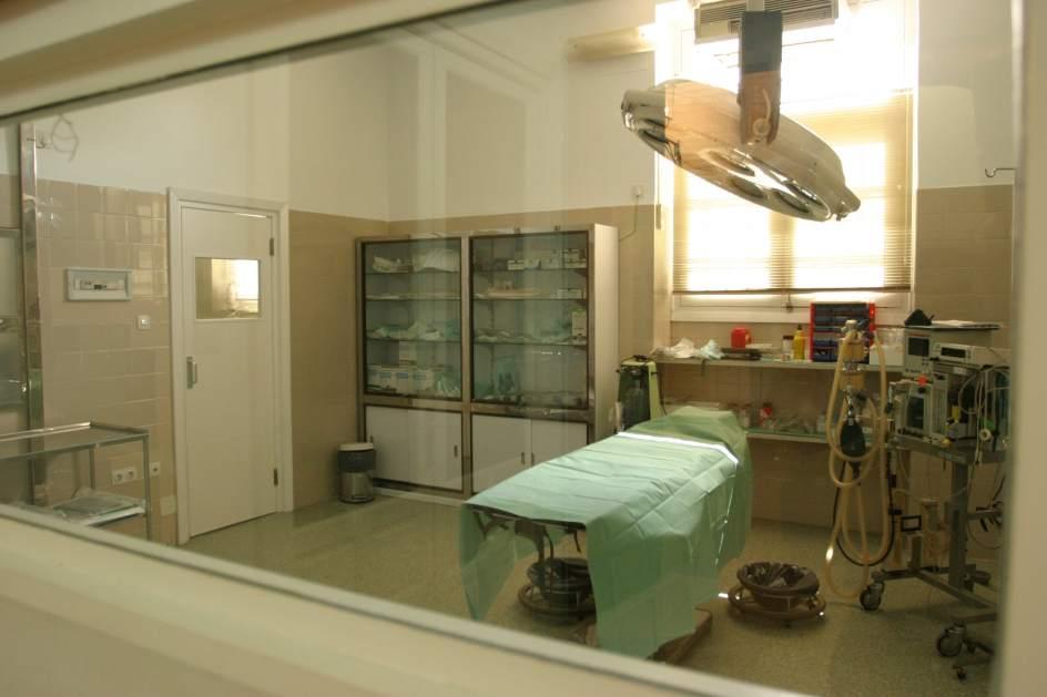 Sanidad deber pagar euros tras dejar a una for Sillas para quirofano