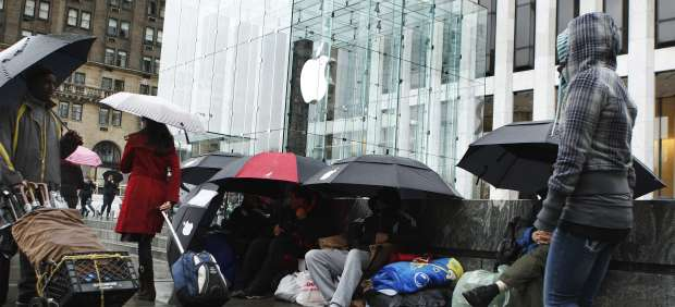 El iPad 2 sale a la venta en EE UU