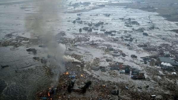 Tsunami destructivo