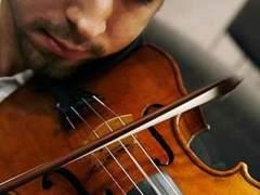Detenida una mujer por haber destruido 54 violines de su exmarido