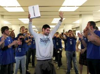 Primero en conseguir el iPad 2 en Barcelona