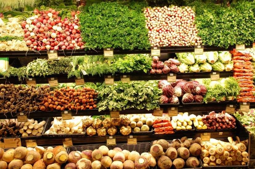 La dieta media de los españoles necesita más frutas y hortalizas ...