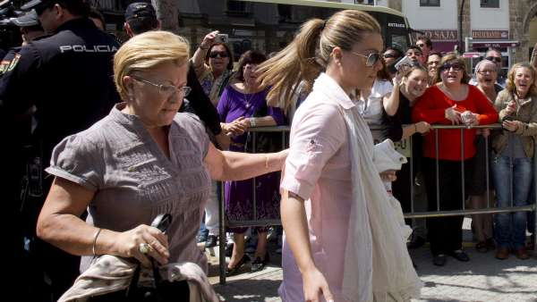 María José Campanario y su madre