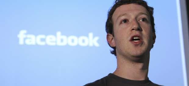 Mark Zuckerberg, en entredicho tras las pérdidas de Facebook