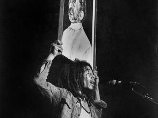 Ensalzando al dios de los rastafaris