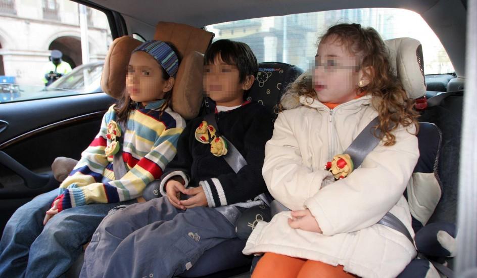 Siete modelos de sillas infantiles de coche suspenden en for Sillas para ninos para el coche